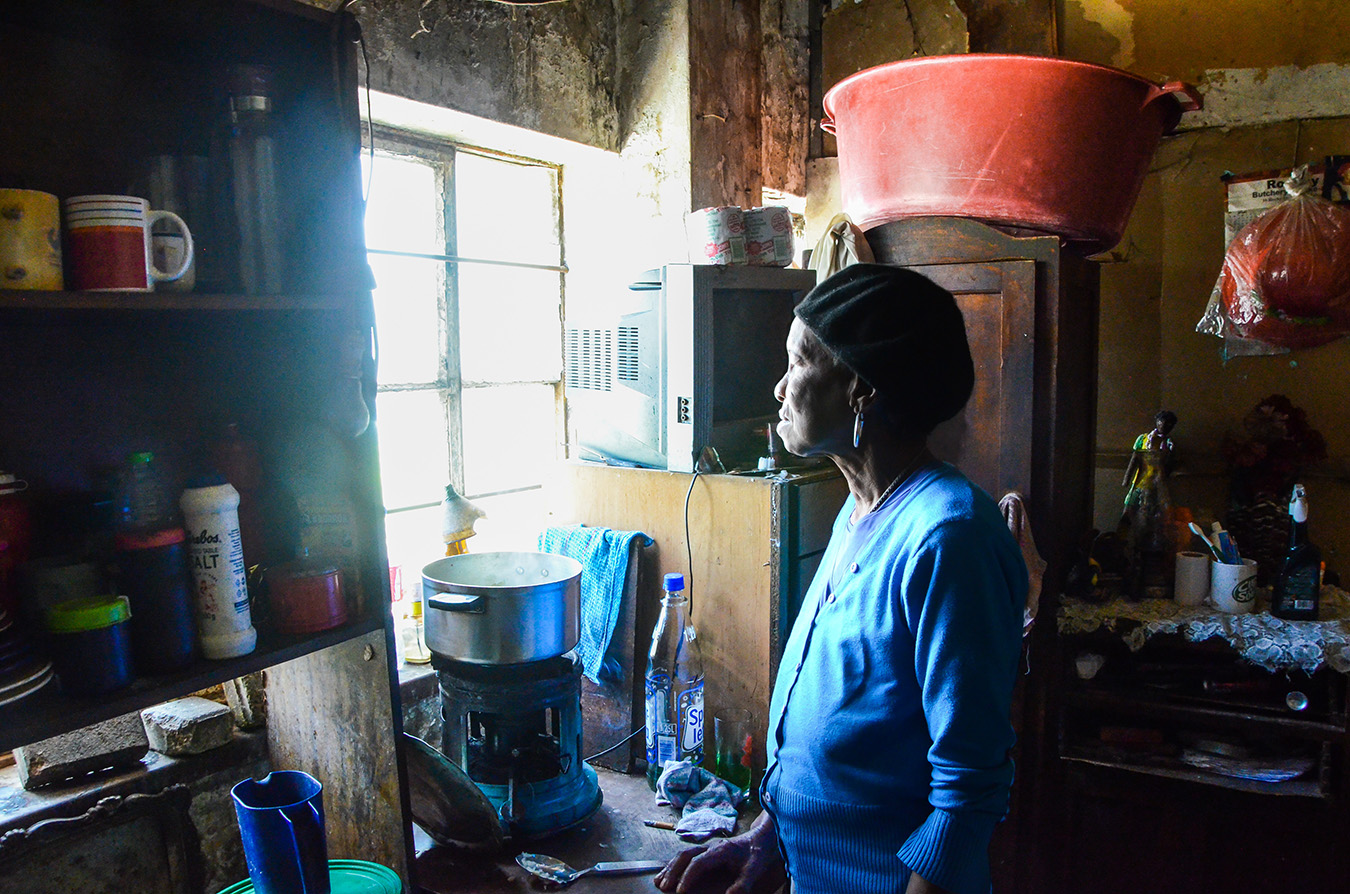 Nomusa Mabaso in her room at The Station. Photo by Matthew Wilhelm-Solomon 2017.